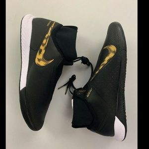 Nike Black Gold React Phantom Vision Indoor Cleat